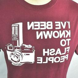 Canon Camera I've Been Known To Flash People M T-Shirt Mediu